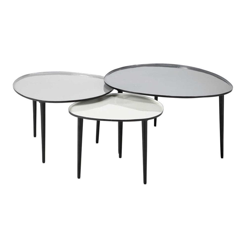 Tables basses : comment aménager un petit espace ?